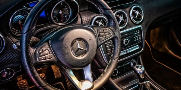 12 noutati despre Mercedes Benz