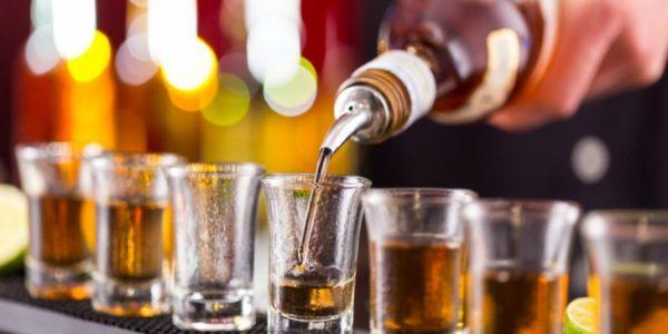 Poti sa pierzi nopti, sa bei alcool si sa ai un corp de invidiat